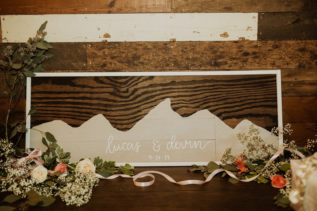 Mountain Wedding Decor | Rustic Wedding Decor | South Dakota Wedding | Cassie Madden Photography