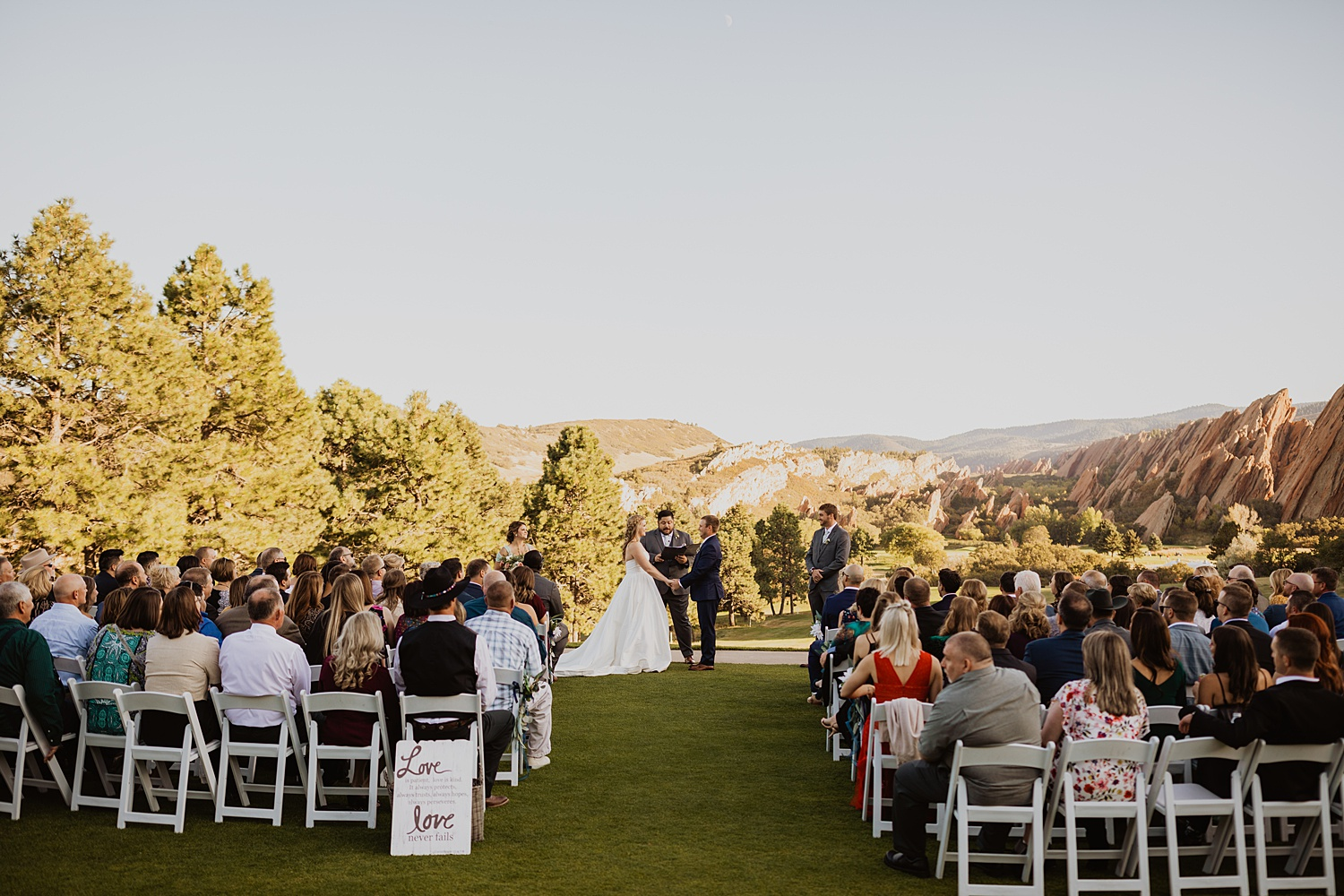 Colorado Wedding | Bride and Groom Pictures | Mountain Wedding | Cassie Madden Photography