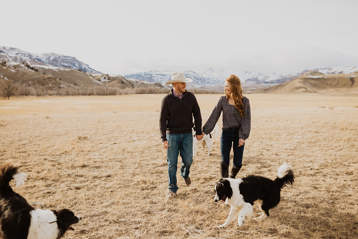 Engagement Photos | Wyoming Mountains | Engagement Outfits | Dog Engagement Photos | Cassie Madden Photography