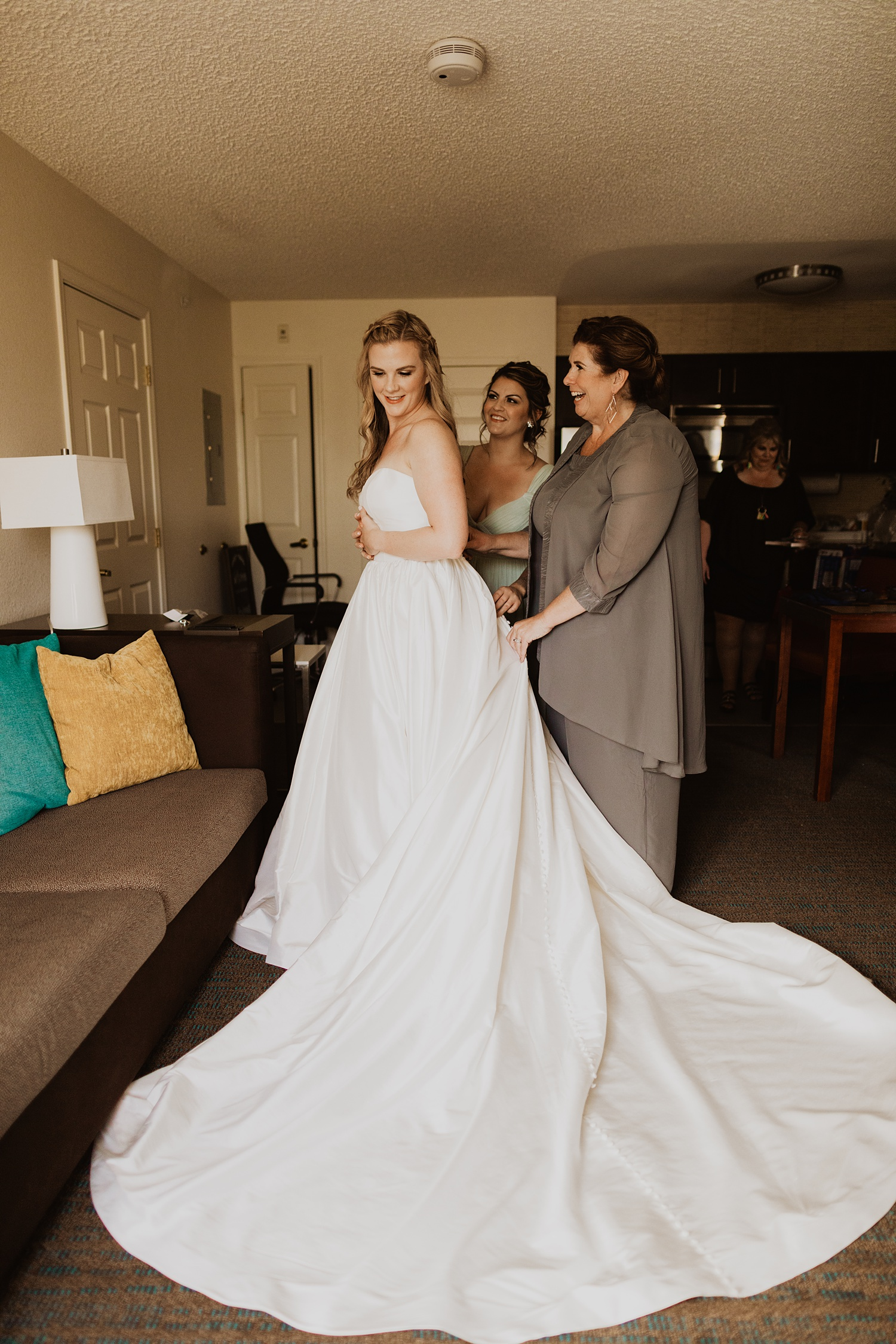 Bride and Mom Getting Ready | Ballgown Wedding Dress | Getting Ready Pictures | Cassie Madden Photography